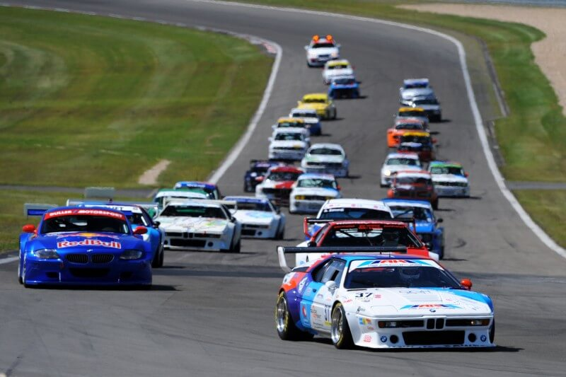 Alle jagen den BMW M1 des AH Racing-Teams